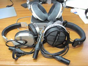 Headphones_2